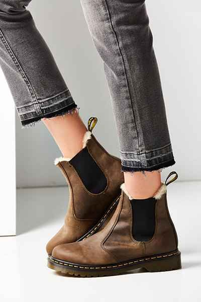 Dr. Martens Faux Fur-Lined Leonore Chelsea Boot - Urban Outfitters .