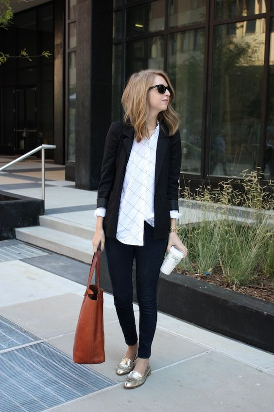This blazer is a bit more casual and super cute! | Comfy work .