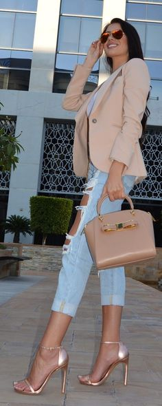 15 Best Rose gold sandal outfits images | Outfits, Casual outfits .