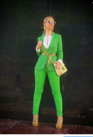 Outfit with green blazers | Green blazers, Green blazers outfit .
