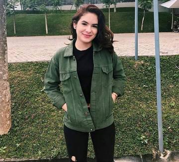 Denim Jacket For Women Street Style Ideas (13) • DressFit