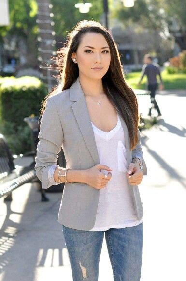 Simple and chic. The light gray blazer brings this outfit to a new .