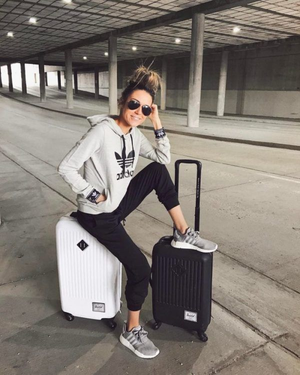 Travel Outfits Airport style: How To Look Fashionable During .