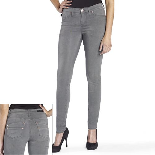 grey jeans outf