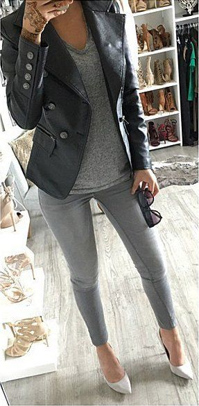 60+ Outfit Ideas To Try This Fall: Grey Skinny Jeans // Cream .