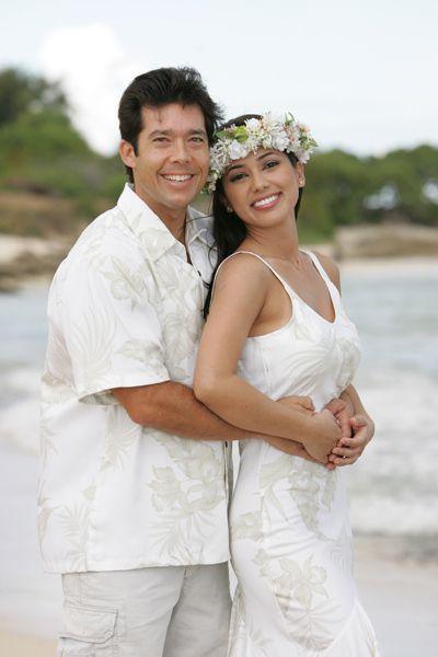 Hawaiian Wedding Dresses & Matching Groom shirts | Hawaiian .