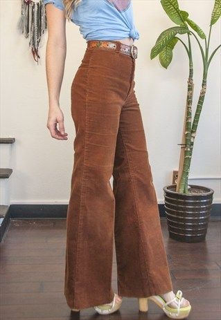 RARE 70S DITTOS HIGH WAISTED BELL BOTTOM CORDUROY FLARE PANT | 70s .