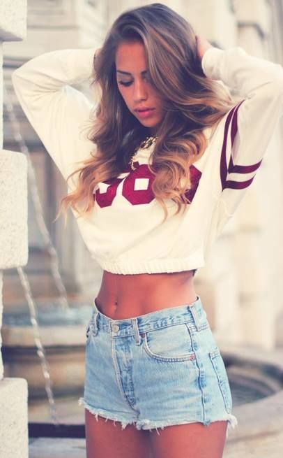 Spring Outfit Ideas from Famous Fashion Bloggers | Crop top .
