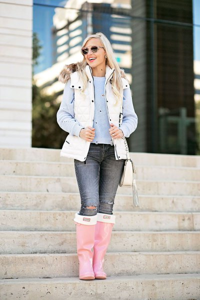 How to Style White Puffer Vest: 13 Cozy Outfit Ideas for Women .