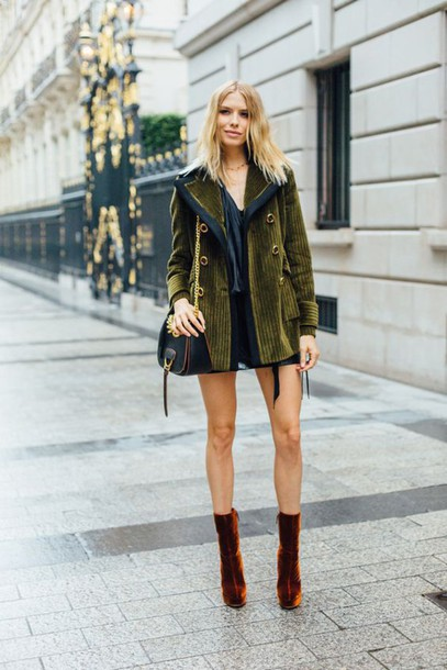 velvet-booties-lena-permanova-street-style-fashion-trend-fall .