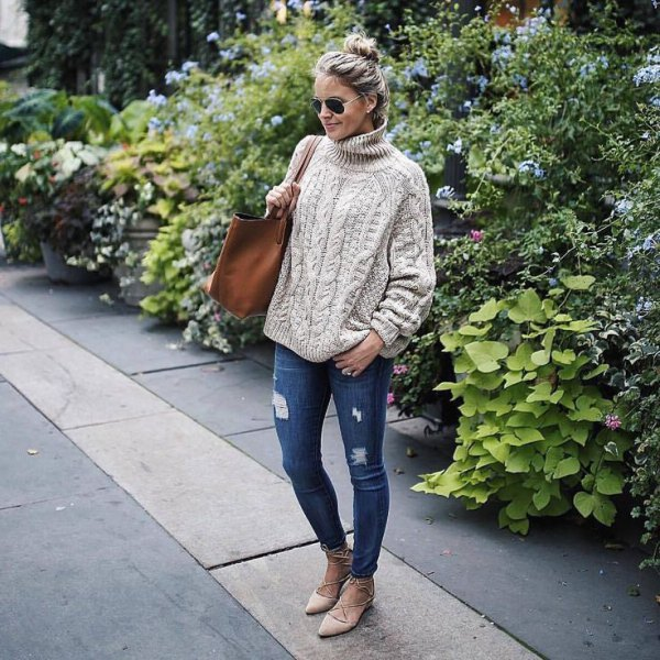 15 Best Tips on How to Wear Chunky Knit Sweater - FMag.c