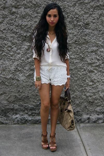 How to Wear Cream Lace Shorts - Search for Cream Lace Shorts .