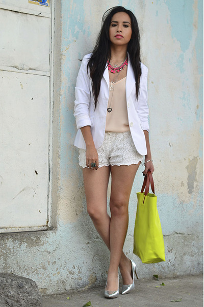 How to Wear Ivory Lace Shorts - Search for Ivory Lace Shorts .