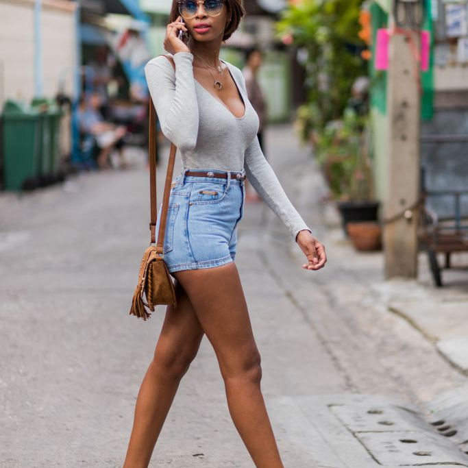 12 Stylish Ways to Wear Denim Shorts This Summ