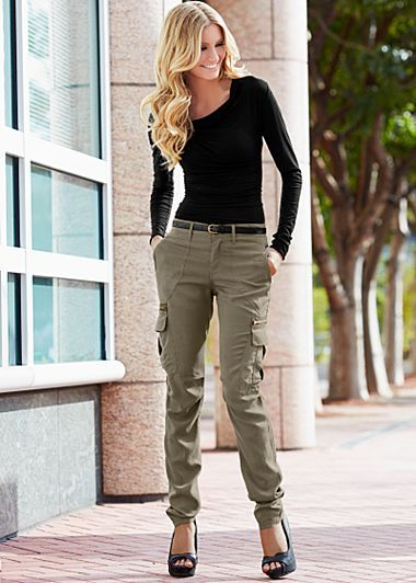 Women Cargo Pants Outfits -17 Ways to Wear Cargo Pan