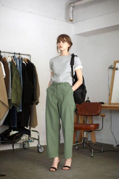 Wide leg Khaki pants(이미지 포함) | 파리지앵 스타일, 편한 캐주얼 .