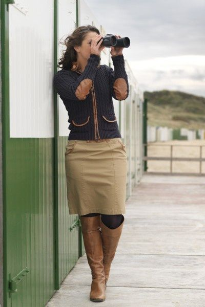 Her outfit is sooooo cute Khaki skirt and boots ❤️❤️ | Fashion .