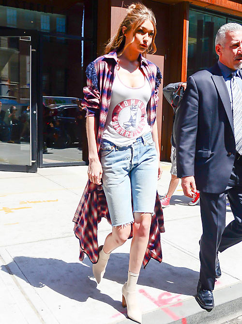 Knee-Length Shorts Are Cool Again, Thanks To Gigi Hadid | Stylight .