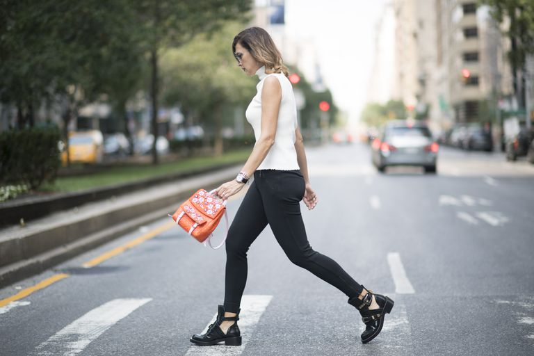 What to Wear With Leggings to Look Stylish, Not Slop
