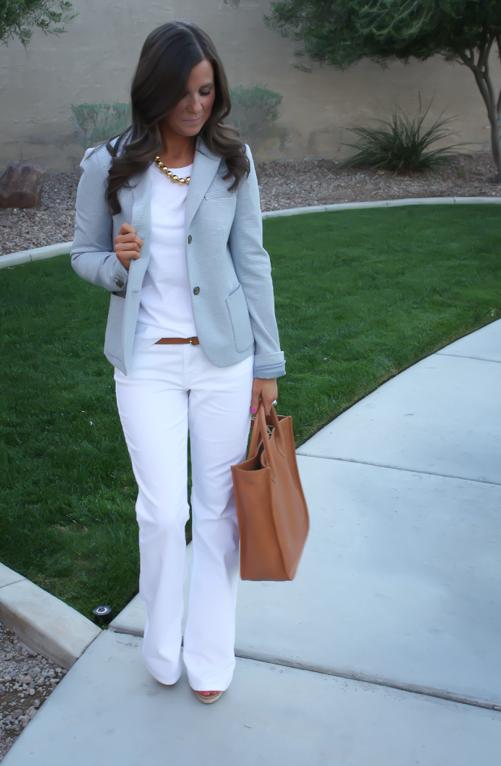 All white with a light blue blazer | Moda estilo, Ropa de moda, Ro
