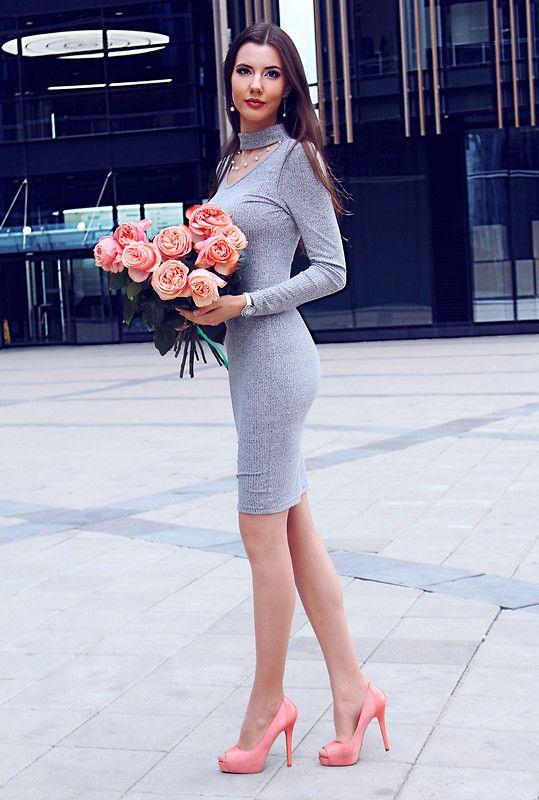 Ann Grigorieva - Shein Long Gray Dress, Aldo Light Pink Heels .