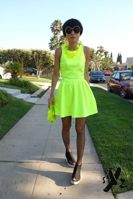 Neon green dress ... (With images) | Neon outfits, Neon dresses .