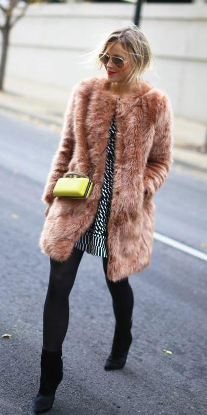 23 Chic Ways to Wear Faux Fur Coats (con imágenes) | Abrigos de .
