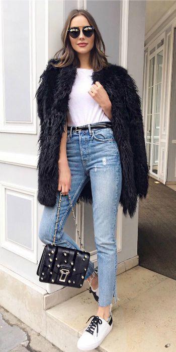 10 Trendy Faux Fur Coat Outfit Ideas | Fur coat outfit, Black faux .