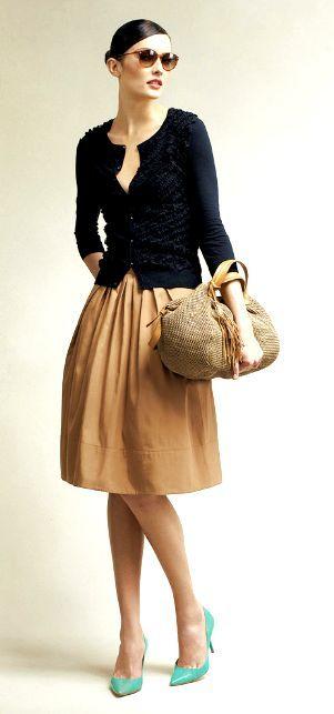35 Wearable, On-Trend Khaki Skirt Outfits | Khaki skirt outfits .
