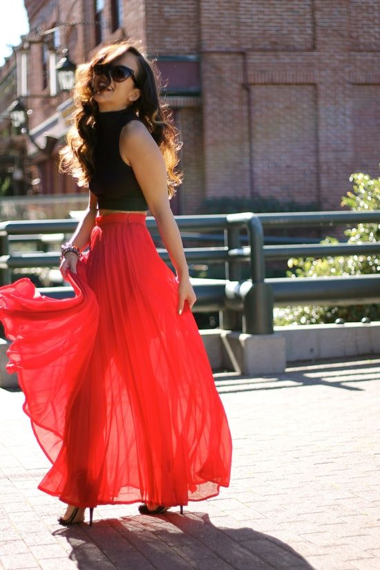 Crop Top And Maxi Skirt Outfit Ideas in 2020   Fashion, Maxi skirt .
