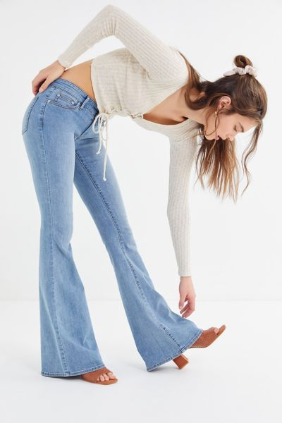 BDG Reese Low-Rise Flare Jean | Fashion, Flare jeans, Black women .