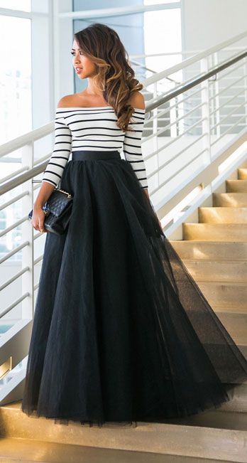 25 Maxi Skirt Outfits Ideas | Maxi skirt outfits, Striped evening .