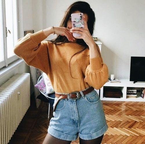 90s outfit | mom shorts | mom jeans | high waisted shorts | ootd .