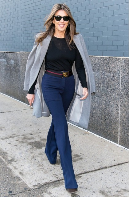 22 Elegant Navy Blue Trousers Outfits For Ladies - Styleohol