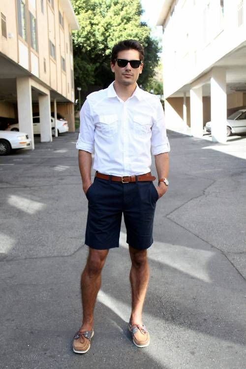 Ray ban + white shirt + navy blue shorts + boat shoes = perfect .