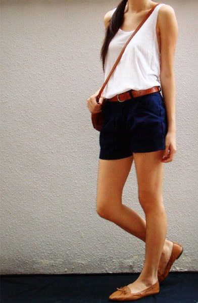 Navy Shorts Outfit , | Fashion, Navy shorts outfit, Short outfi