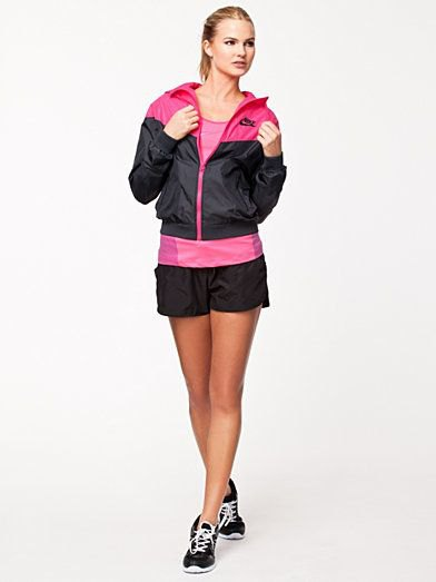 How to Wear Nylon Jacket: 15 Sporty Outfit Ideas for Women - FMag.c