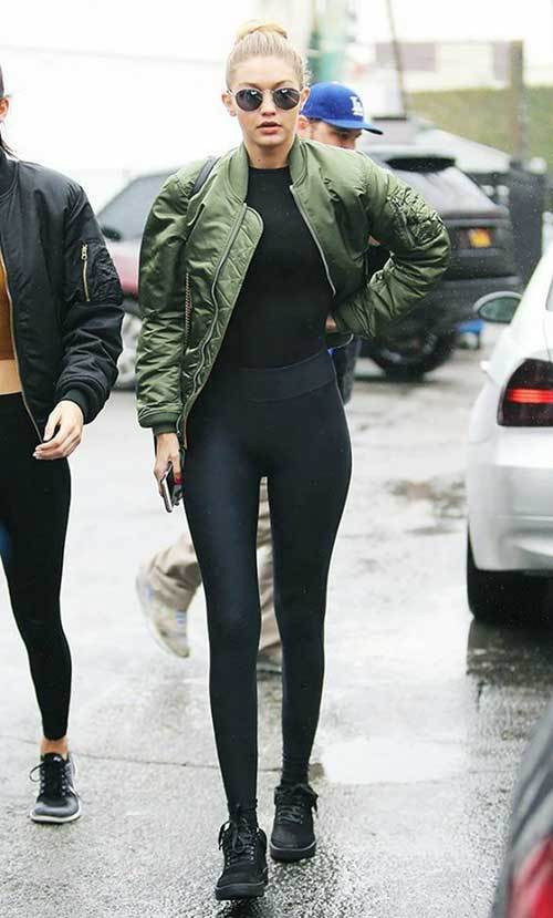 20 Outfits with Green Bomber Jacket for Street and High Fashion .