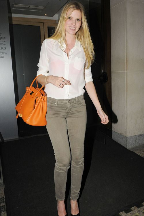 Lara Stone | Cold outfits, Orange outfit, Daily fashion inspirati