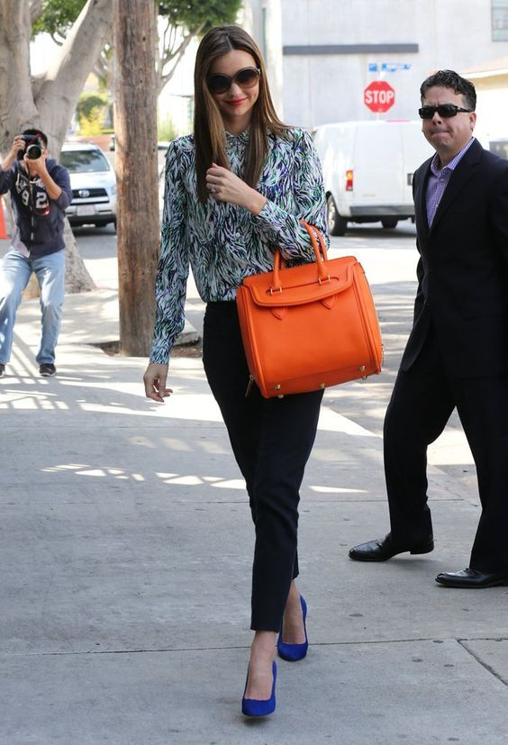 23 bright color handbag outfit ideas | Miranda kerr street style .