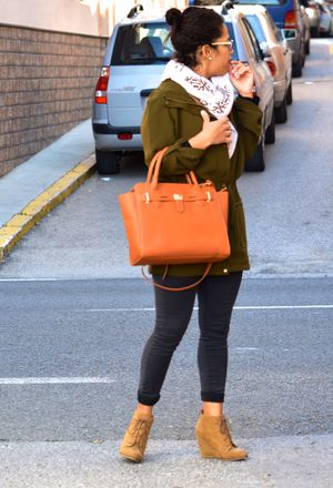 How to wear outfits with justfab orange bags | Chicisi