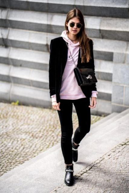 18 Women Outfit Ideas With Hoodies - Styleohol