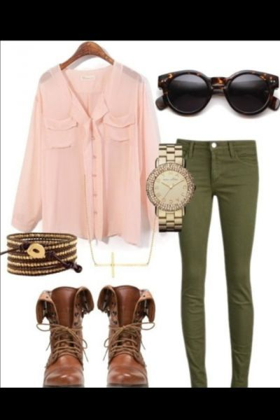 Cute/simple fall outfit circle glasses, lace up boots, green pants .