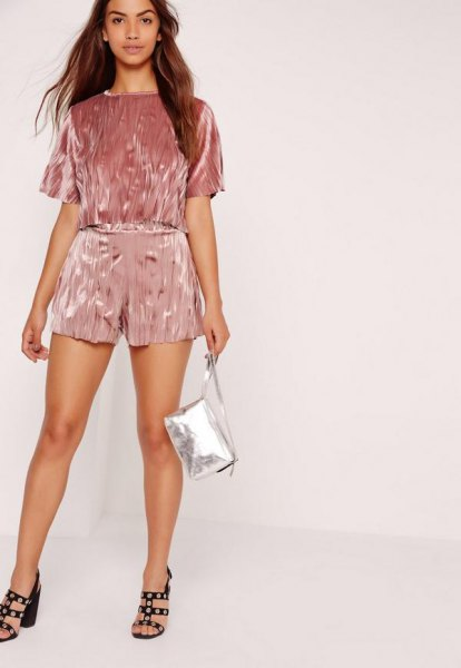 15 Top Outfit Ideas on How to Wear Pink Velvet Shorts - FMag.c