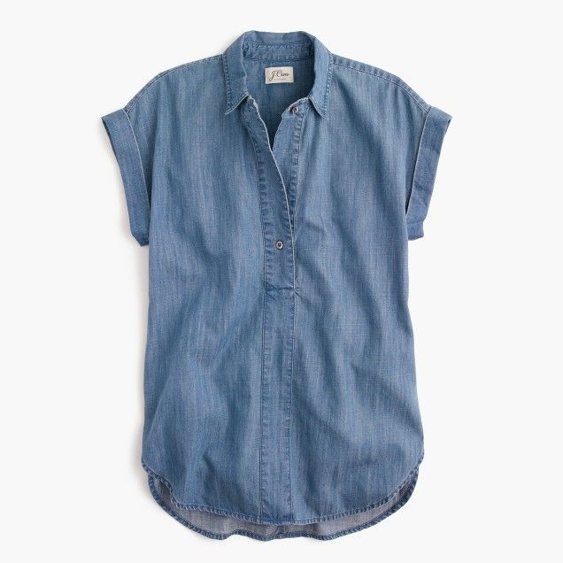 Short-sleeve popover shirt in chambray | Chambray shirt outfits .