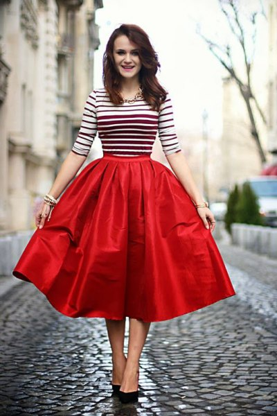 15 Best Outfit Ideas on How to Wear Red Flare Skirt - FMag.c