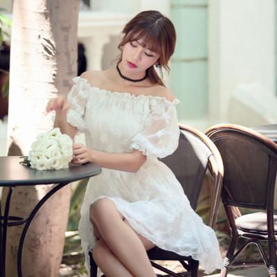 Korean fashion(&Japanese) white collar flowers elastic dress .