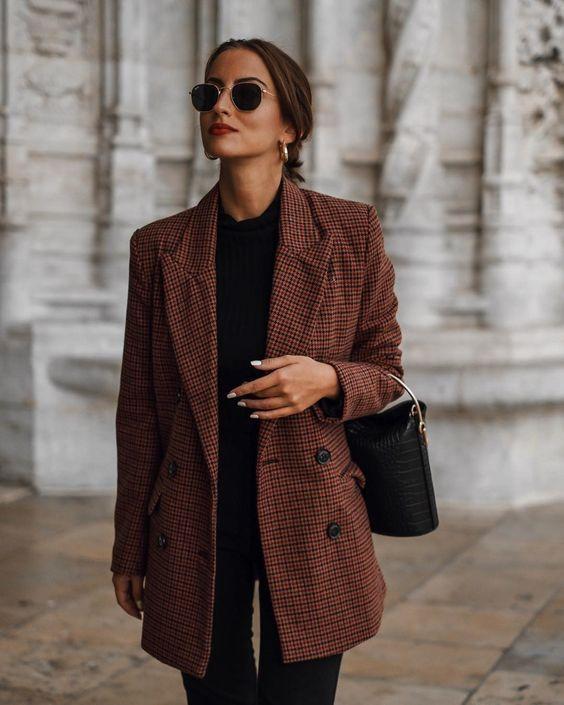 brown oversized blazer over all black #streetstyle #womensfashion .