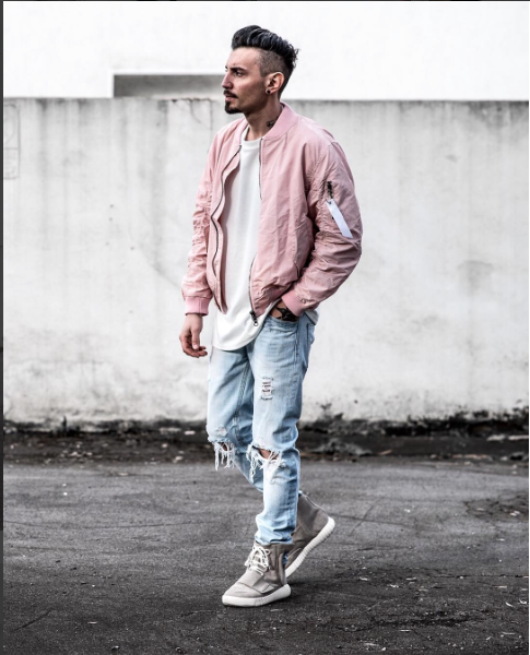 Menswear | Outfit | Bomber jacket | Ripped denim | Street style .
