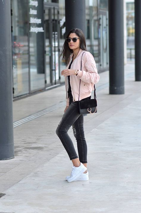 Federica L. wears the bomber jacket trend in a pretty shade of .
